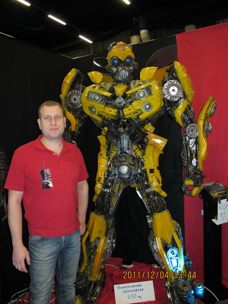 Transformers bumblebee staty handgjord i metall